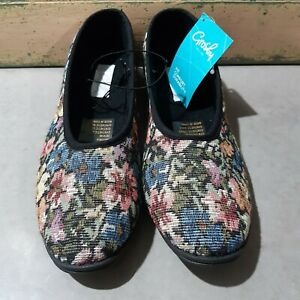Grosby Womens Slippers Antonia Slip On Floral Tapestry Look Size 9 NEW with TAGS