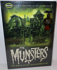 HORROR : THE MUNSTERS HOUSE AT 1313 MOCKINGBIRD LANE MODEL KIT MADE BY MOEBIUS