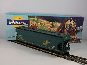Athearn HO Chicago North Western Smooth Side Three Bay Covered Hopper CNW 172248