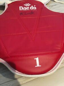 Daedo Inter kids sparring chest protective shield TaeKwonDo Olympic signed autog