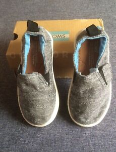 Toms Toddlers Slip-on Shoes Size 6
