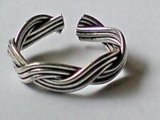 STERLING SILVER ADJUSTABLE TOE RING WITH A TRIPLE BRAIDED TWIST DESIGN £4.95 NWT