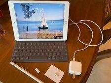 Apple iPad Pro 1st Gen. 128GB, Wi-Fi, 9.7 in - Gold With Keyboard & Pencil