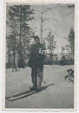 Foto Soldat-Winter mit Ski-Skier-Schneeschuhe 2.WK (1322)