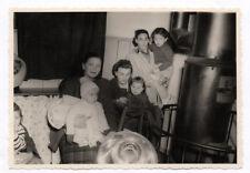 PHOTO Classe École 1950 Mère Enfant Maternelle ? Poêle Chauffage Hiver Bébé