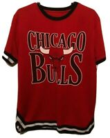 Chicago Bulls NBA UNK Red Print Polyester Pullover Warm Up T-Shirt Mens Size XL