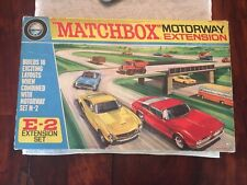 MATCHBOX Motorway PERSPECTIVES RARE GIFT SET e-2 Extension Comme neuf Neuf dans sa boîte Excellent from 1972