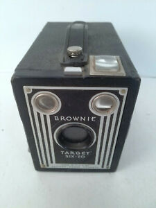 Brownie Target Six-20 Eastman Kodak Vintage Box Camera. Untested