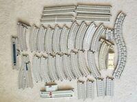 Lot 32 pieces 2009 Gullane Mattel Trackmaster THOMAS the Tank engine Train track