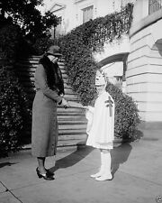 Eleanor Roosevelt purchases Christmas Seals at White House 1933 - New 8x10 Photo
