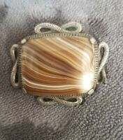 VINTAGE SIGNED MIRACLE GLASS CARAMEL BANDED AGATE RECTANGLE SCOTTISH PIN BROOCH