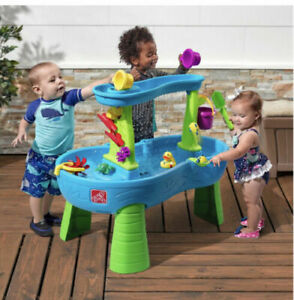 Step2 Rain Showers Splash Pond Water Table Kids Water Play Table with 13-Pcs
