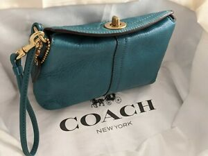 Coach Vintage Legacy Pebbled Teal Blue Brass Turnlock Clutch Wristlet Purse