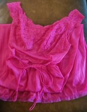 VINTAGE VANITY FAIR SEXY HOT PINK LACE NYLON GOWN NIGHTGOWN FULL LENGTH 34 EVC