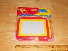 Etch A Sketch Doodle EASY To Draw JUST Slide To Erase Party Favor Toy Travel RED
