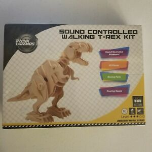 Think Gizmos - Sound Controlled Walking T-Rex Kit (85 Pieces) NEW and Sealed