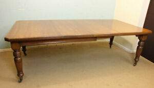 ANTIQUE VICTORIAN OAK EXTENDING DINING TABLE EIGHT TO TEN SEATER