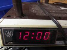 GE Spacemaker Kitchen AM/FM Radio Undercabinet Digital Clock 7-4212A Vintage