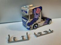 Scania R13 Lechner Trans I-39023 Laas /  Pink Lady    Lissy  aus herpa 941266