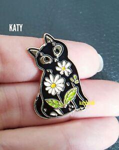 Black Cat Daisy Flower Gold Small Badge Vintage Pin Enamel Brooch Broach Gift