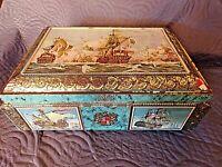 ancienne très grande boite à biscuits en tôle lithographiée-marine-bateaux