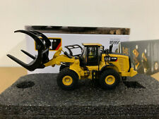 Caterpillar Cat 972M Wheel Loader With Log Fork HO Scale Diecast Masters 85950