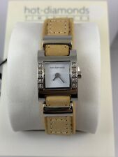New- HOT DIAMONDS Ladies Wristwatch with Narrow Tan Brown Leather Strap T018
