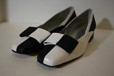 MARGARET JERROLD BLACK & WHITE COLOR BLOCK ANIMAL PRINT SHOES SIZE 7M with BOWS