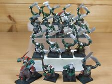 16 PLASTIC WARHAMMER ORC WARRIORS PLUS A BOSS ON BOAR PAINTED (541)
