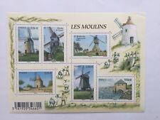Feuillet timbre France 2010 YT F4485 neuf**. Les moulins. Pliure légère
