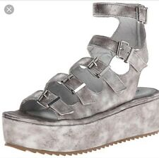 New Penny Loves Kenny Woma chatter Gladiator Sandals SZ 7.5 US Silver