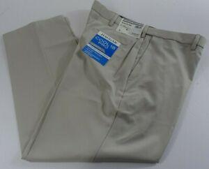 Men Haggar Cool 18 Pro Pants 40x30 Classic Fit Flat Front Expandable Waist Ivory