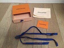 NEUF Louis Vuitton boite Avec Pochon tissu et Ruban porte Monnaie Ou Porte-clés