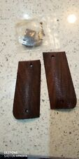 Vintage walnut piled 1911 style wooden grips