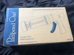 The Pampered Chef Cookie Press Birthday Biscuit Maker 16 Designs Boxed Excellent