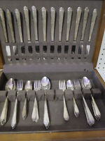 64pc Rogers & Bro International 1933 Inspiration Silverplated Flatware Set w Box