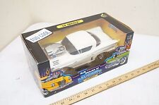 MUSCLE MACHINES '58 IMPALA 1/18 SCALE MODEL WHITE NEW 71166 1958 chevorlet