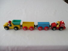 4 PIECE VINTAGE WOODEN MAGNETIC TOY FIRE ENGINE TRUCK TRAIN