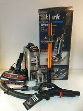 Shark Upright Vacuum Cleaner [NV801UKT] Pet Hair, Powered Lift-Away (EU Stecker)