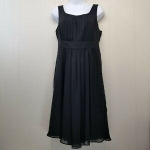 White House Black Market Robe 4 Noir sans Manche à Smocks Froncé Lbd A Ligne