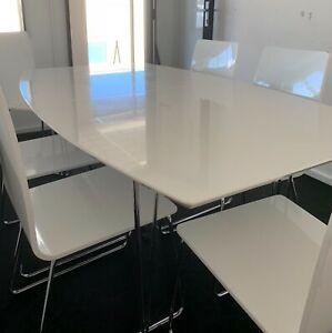 Freedom Dining Table, 6 Matching Chairs Included