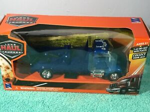 Peterbilt Wrecker Truck Long Haul Trucker Series by New Ray 1:43 Scale