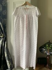 VVGC Vintage Long White Floral Night Dress / Nightie Size 12-14 M