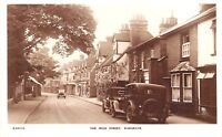 POSTCARD    BERKSHIRE   WARGRAVE  The  High  Street  Vintage  Cars    RP