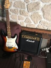 AMPLI MARSHALL MG 15 DFX 15 W + Guitare Stenson + Accessoires