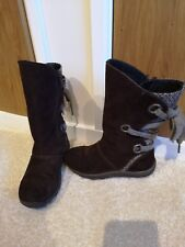Girls Merrell boots size 11. Immaculate condition