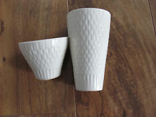 Red Wing Capistrano Bird/Swallows- Off-White Salt & Pepper Shakers