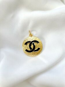 Chanel CC Gold Plated Metal Zipper Pull, Hammered Texture, 23mm