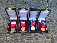 Lote de 4 medallas de trabajo medalla antigua plata familia Cuba de tintura 70