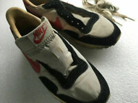 NIKE Vintage Sneakers Shoes Gray Black Red Men's Size US 6 1980's